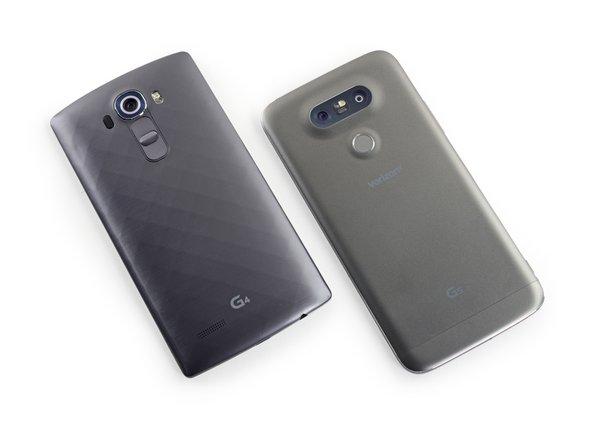 Un rapido confronto con l'LG G4 dell'anno scorso evidenzia l'esterno più liscio, arrotondato e più metallico del G5.