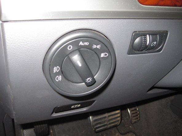 2004-2010 Volkswagen Touareg European Headlight Switch Replacement