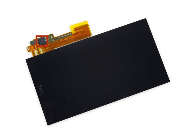 Mounted to the display assembly ribbon cable, we see the Synaptics S3351B touchscreen controller.