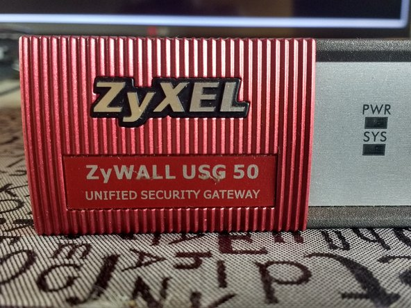 Desmontaje de Zyxel firewall usg 50
