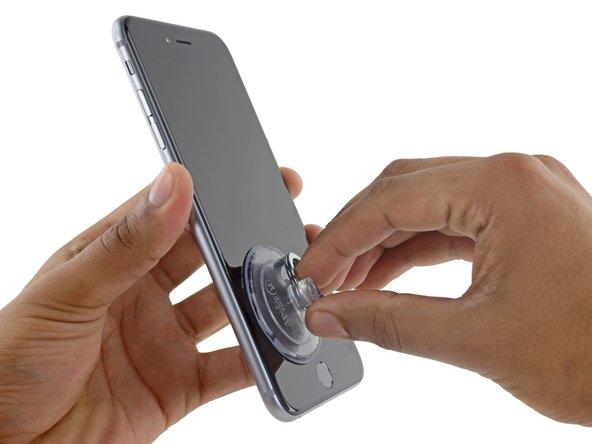 6s Plus屏幕四个边缘周围有黏胶固定, 若你选择要更换黏胶的话, 在你拆解之前, 最好是先准备好新的黏胶。若你本身不想更换新黏胶也行, 因为在功能上, 跟使用原有的黏胶没有太大差别 。