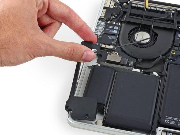 "MacBook Pro 13"" Retina Display Mid 2014 Right Speaker Replacement"