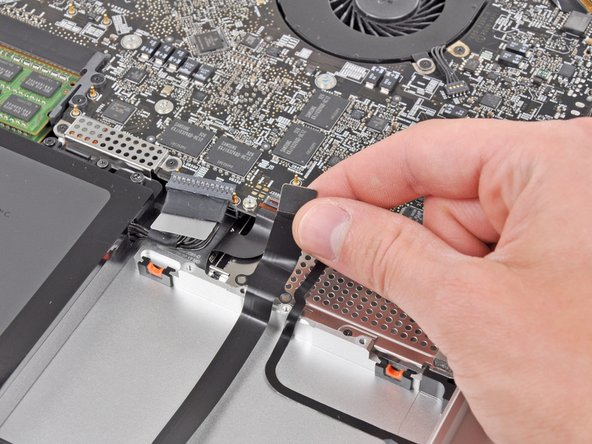 "MacBook Pro 17"" Unibody Hard Drive Cable Replacement"