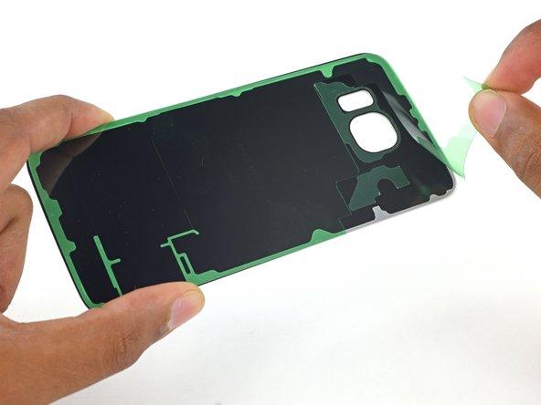 Remplacement de la bande adhésive de la vitre arrière du Samsung Galaxy S6