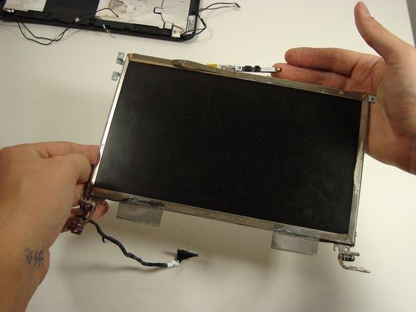 Disassembling Compaq Mini 110 Screen