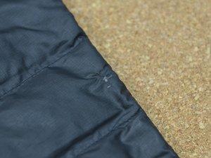 パタゴニアのダウン・ジャケットのバッフルの修理方法