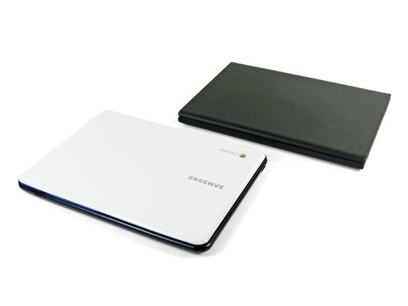 Before we start tearing this device apart, let's do a little comparing to Google's previous developer-only Chromebook, the Cr-48.