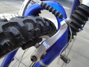 """Direct-Pull Cantilever Brake (""""V-Brake"""") Maintenance"""