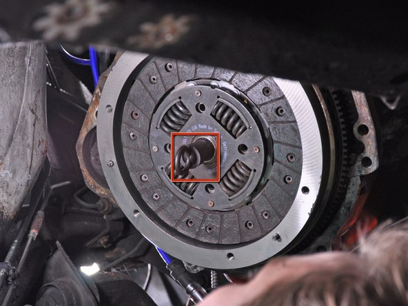 Remove the clutch by pulling it straight away from the flywheel.