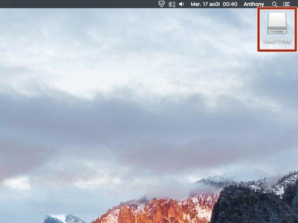 Insérez votre clé USB dans le port USB de votre Mac.