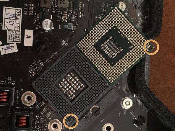 Aligner le nouveau processeur grace au détrompeur