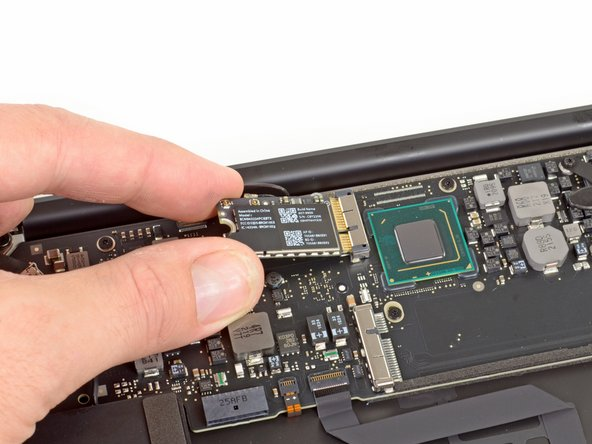 We would tell you that this Broadcom BCM 943224 module looks just like the Mid 2011 MacBook Air's wireless board, but you would accuse us of being repetitive.