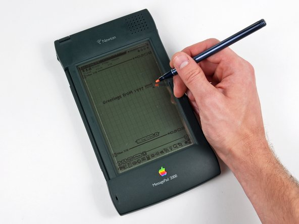 The MessagePad 2000's preloaded planner and note-taking features are definitely geared toward the business professionals of its day.