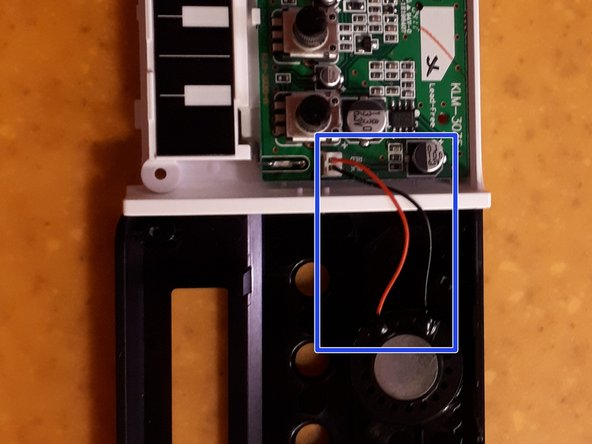 Remove '''the flat cable''' from the ribbon controller to the pcb (pull with care using hands)